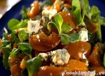 salat domashnii s hurmoi i greckimi orehami 2611 Салат домашний с хурмой и орехами