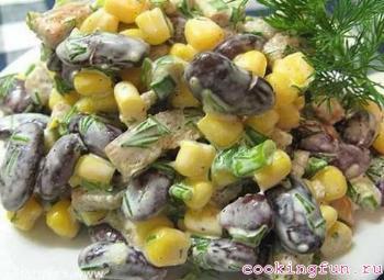 salat s fasoliu kukuruzoi i suharikami 3001 Салат с фасолью, кукурузой и сухариками